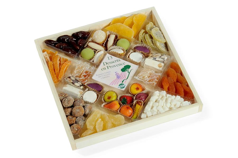 13 desserts assortiment de confiseries et fruits seches